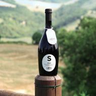 Birra Saison La Cotta con vista delle colline del Montefeltro